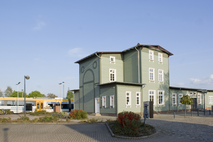 Ab Dezember 2013 besteht ab Rahden eine direkte Verbindung nach Münster