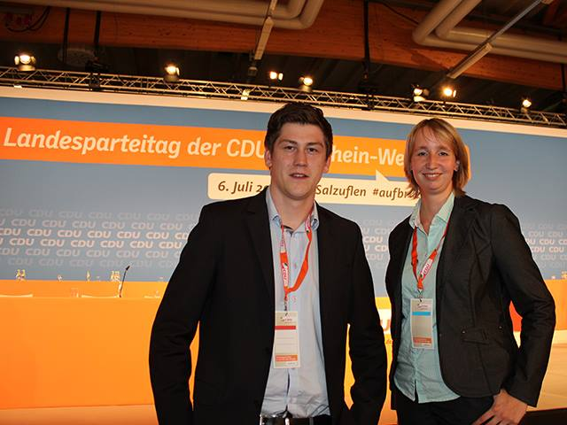 Hubertus Struck (Bezirksvorsitzender) und Marlene Küster (stellvertretende Bezirksvorsitzende aus Minden) setzen sich für eine mittelstandsfreundliche Politk ein.